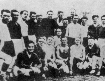 Zeldzame foto van FC start voor wedstrijd tegen Flakelf. Troesevitsj en Kuzmenko staan vijfde en zesde van links op de tweede rij