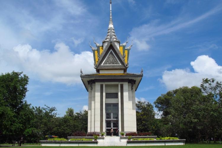 Boeddhististche Stupa op Choeung Ek, de Killing Fields.