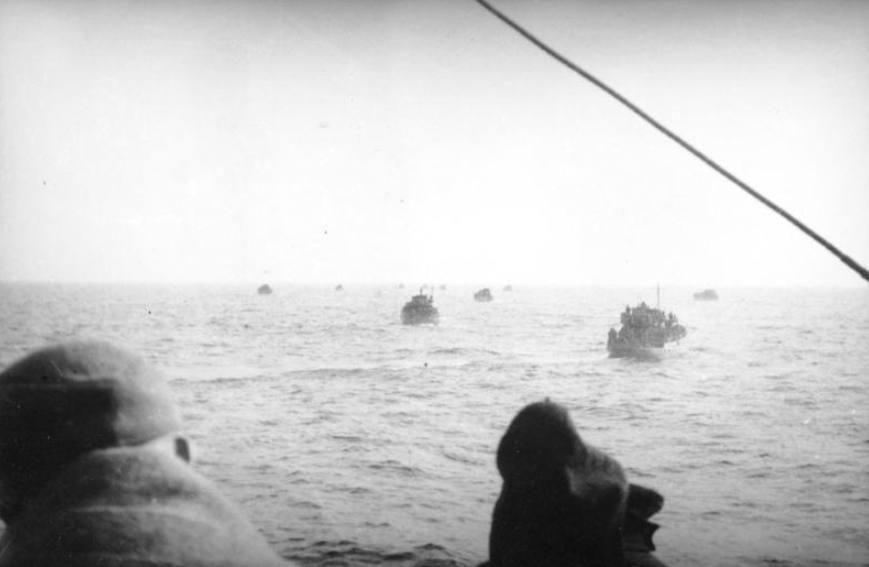 Schepen met Duitse evacuees op de Oostzee in 1945.
