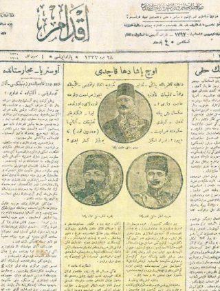 Ottomaanse uit 1918 krant over de vlucht van de drie pasja's