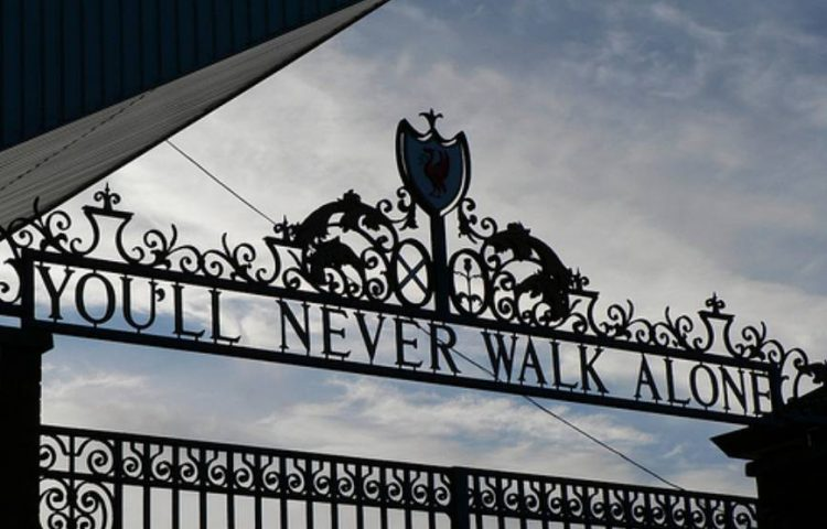 You'll Never Walk Alone - Shankly-poort van het Anfield-stadion, Liverpool