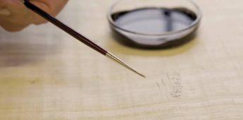 Hoe maakt een vervalser een antieke papyrus na?