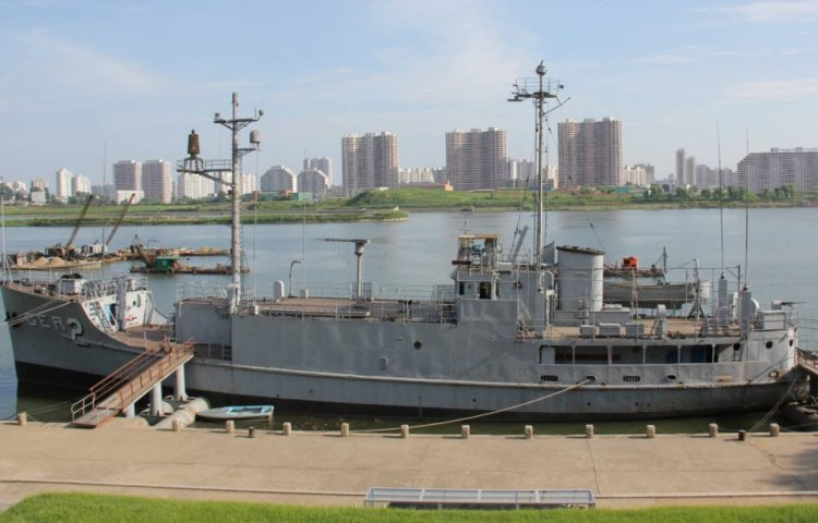 USS Pueblo in Noord-Korea, 2012