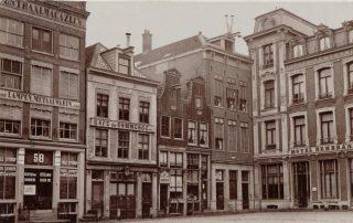 Deel van het Rembrandtplein in Amsterdam rond 1875