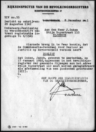 Brief van Lentz d.d. 8-12-1942 aan de heer J. Cohen, met de mededeling dat hij als jood staat geregistreerd.