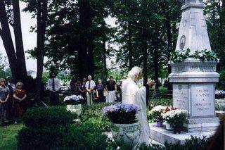 """Monument bij """"Novo Diveevo"""", ter ere van Andrej Vlasov en het Russisch Bevrijdingsleger"""