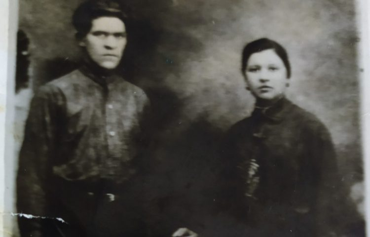 Ivan Fjodorovitsj Tsjelmodejev met zijn vrouw Varvara