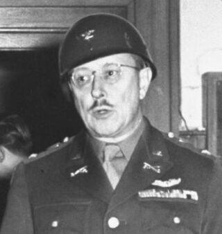 Kolonel Burton C. Andrus, rond 1945