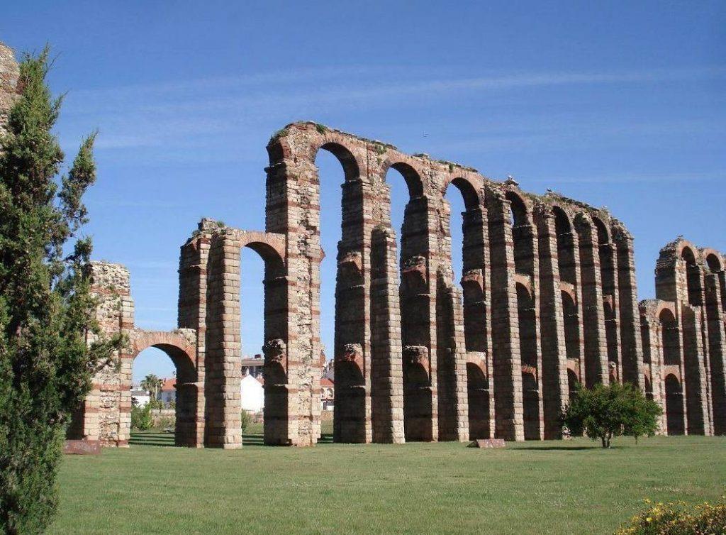Acueducto de Milagros  in Mérida (Foto: Willem Peeters)