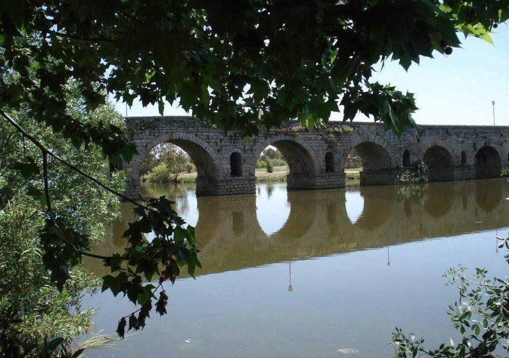 Puente Romana, Mérida (Foto: Willem Peeters)