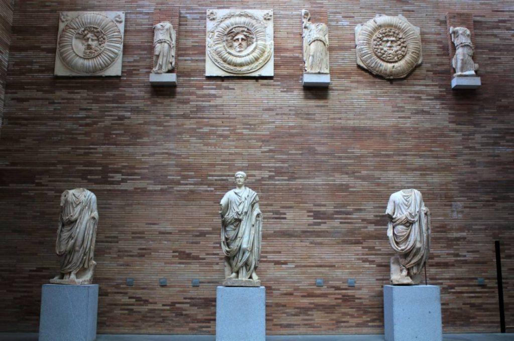 Romeinse beelden in het Museo Nacional de Arte Romano van Mérida