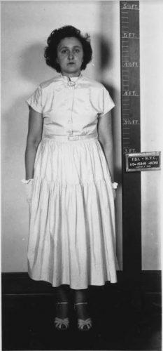 Ethel Rosenberg bij haar arrestatie, 1950
