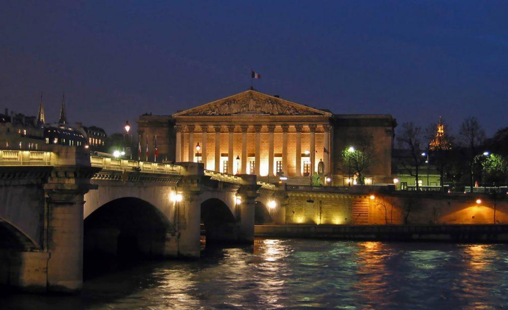 Het Palais Bourbon, zetel van de Nationale Vergadering van Frankrijk