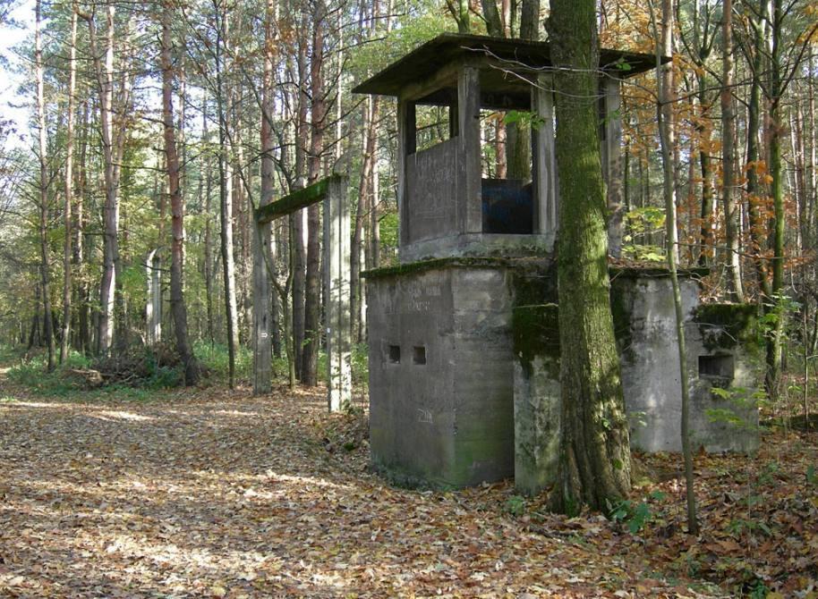 Ingang van het voormalig kamp Blechhammer