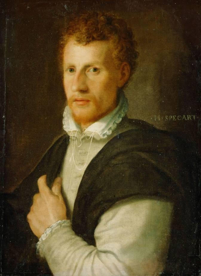 Portret van kopersteker Cornelis Cort - Hans Speckaert, ca. 1575 (Publiek Domein - wiki - Kunsthistorisch Museum Wenen) - Cornelis Corts kort afgesneden haar en diens baard en snor zijn zoals de mode het rond 1575 voorschreef. Cornelis heeft een donkere mantel omgeslagen over een lichtgekleurd wambuis. Opvallend zijn de gesmokte boordjes en de passementen aan de kraag van het witte hemd.