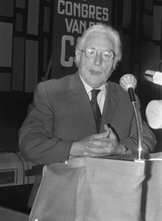 Paul de Groot op een CPN-partijcongres, 1972