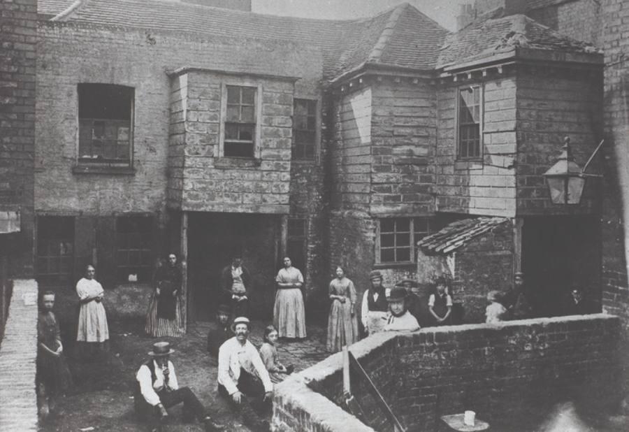 Sloppenwijk in Market Court, Kensington, ca. 1860