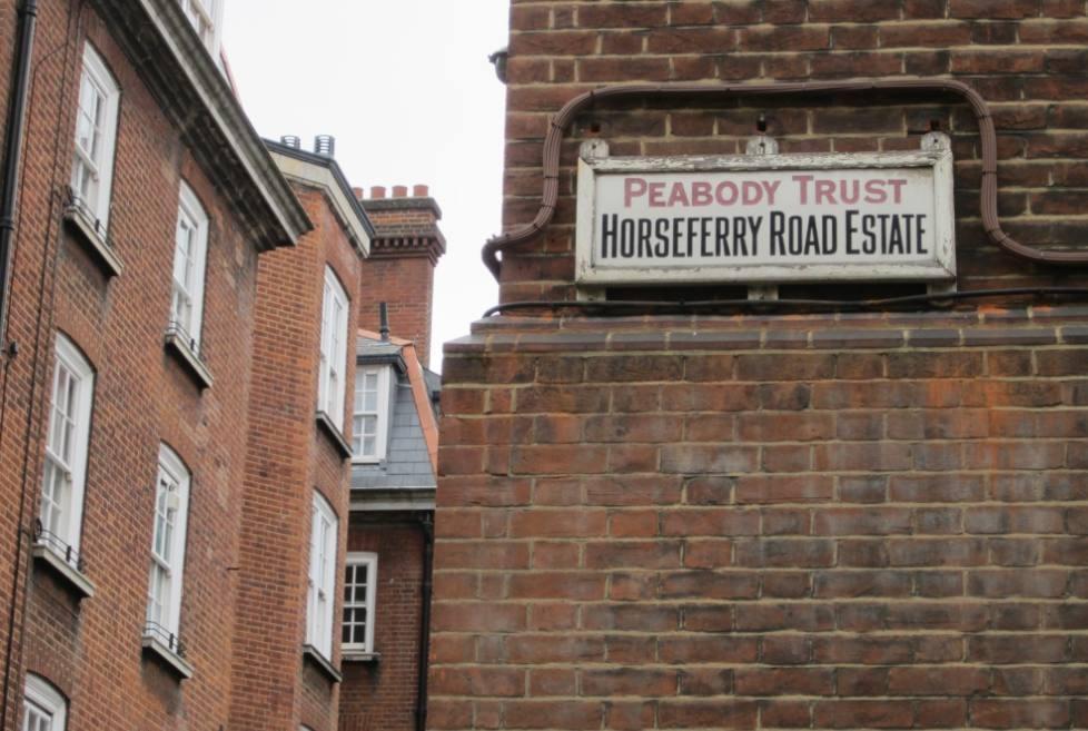 Bord van The Peabody Trust in Londen