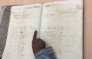 Een boek van de slavenregisters van Curaçao.
