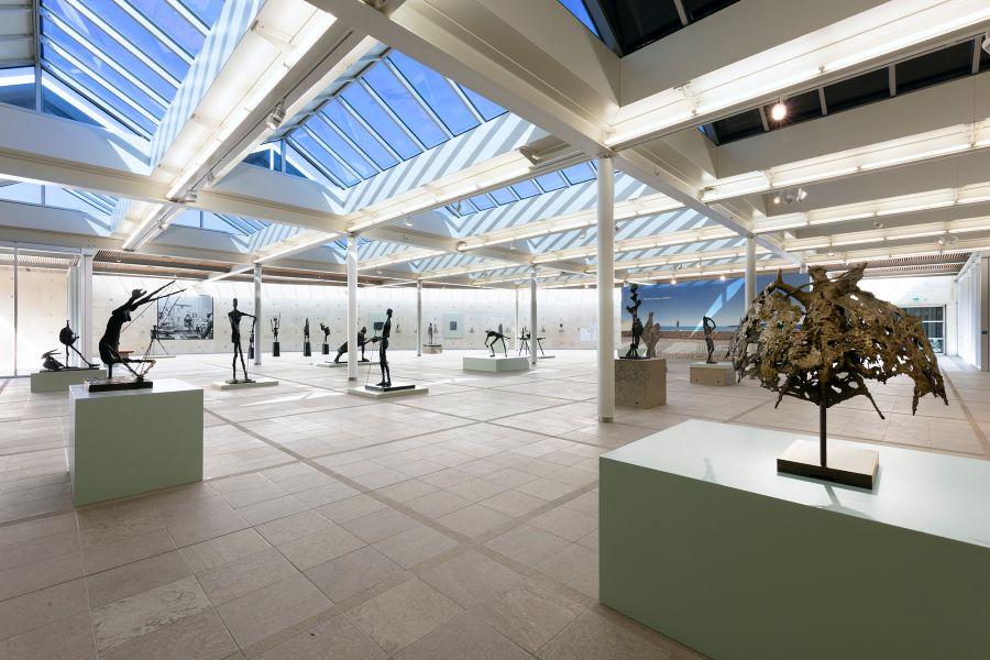 Impressie van de tentoonstelling in Scheveningen