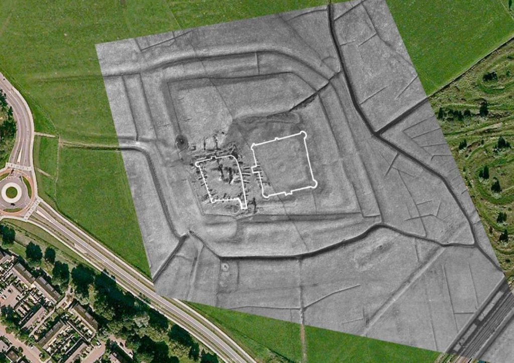 Luchtfoto van Oud Haerlem met rechts de nieuw ontdekte burchtstructuur