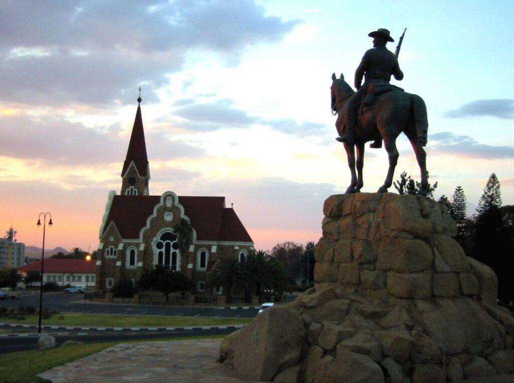 Reiterdenkmal in Windhoek, 2004