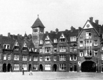 De Zaanhof kort na de bouw in 1920.