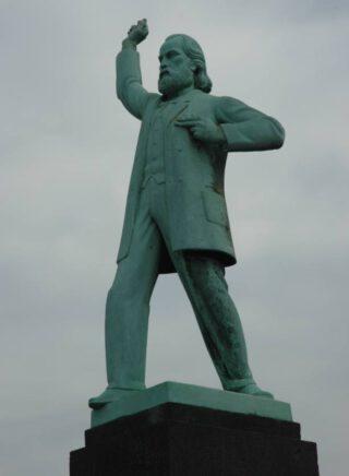 Standbeeld van Ferdinand Domela Nieuwenhuis op het Nassauplein in Amsterdam - Johan Polet