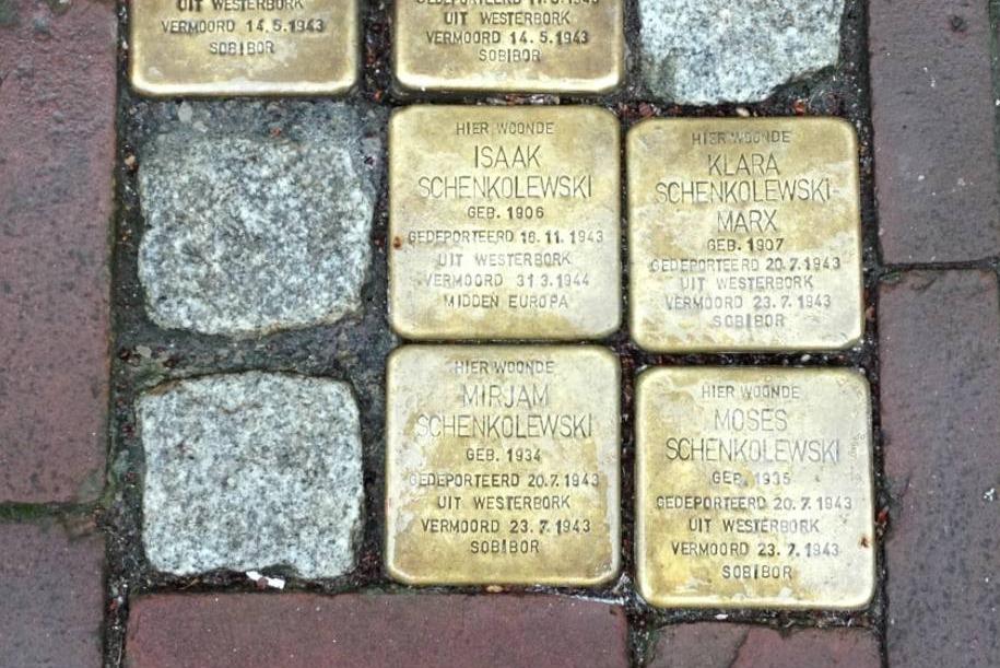 Stolpersteine aan de Lange Groenendaal 38 in Gouda