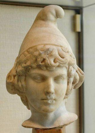 Buste van Attis met een Frygische muts (2e eeuw n. Chr., Cabinet des médailles van de Bibliothèque nationale de France)