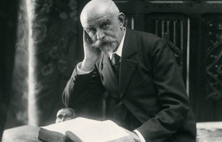 Joris Karl Huysmans, gefotografeerd door Frédéric Boissonnas en André Taponier, ca. 1900