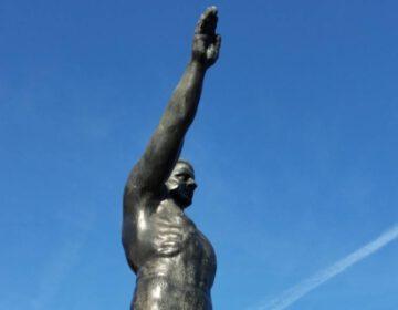 Detail van het monument voor het Olympisch Stadion in Amsterdam