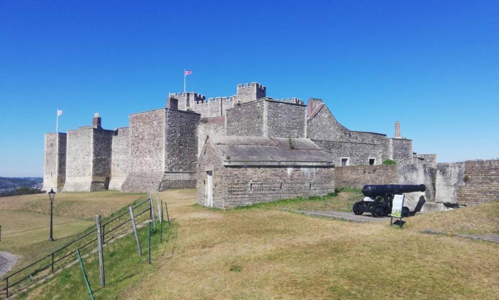 Dover Castle gezien vanaf de landzijde
