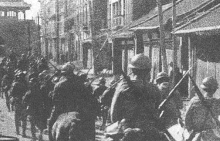 Japanse troepen marcheren Mukden in