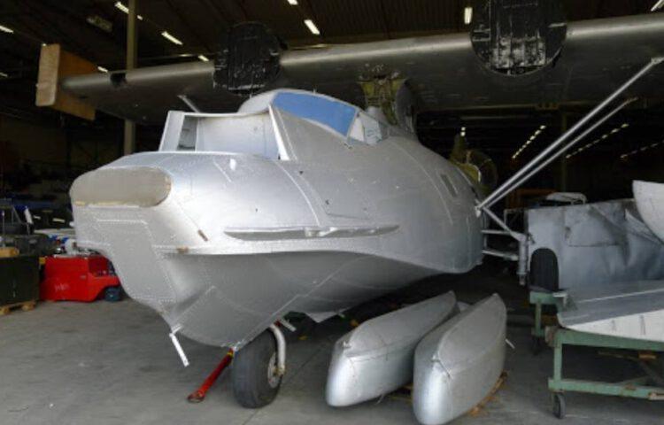 Het vliegtuig bij het Nationaal Militair Museum