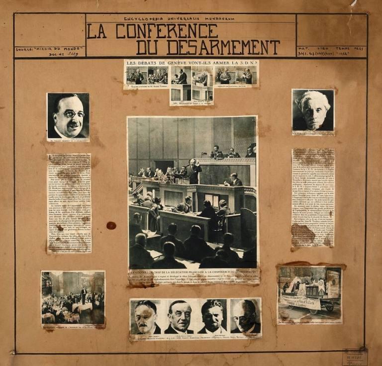 Krantenknipsels over de Wereld Ontwapeningsconferentie