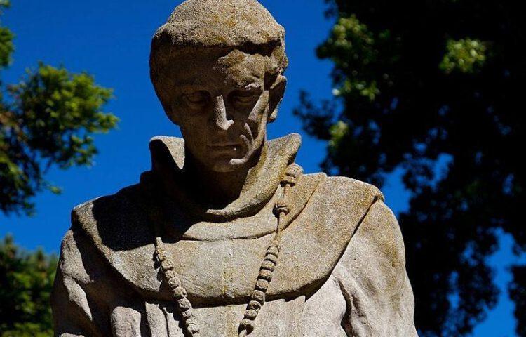 Detail van een standbeeld van Junípero Serra in Francisco