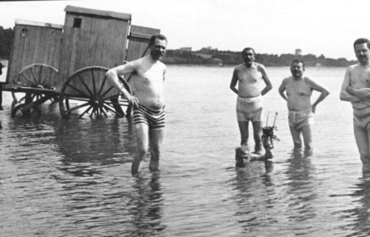 De beruchte Duitse zwembroekfoto