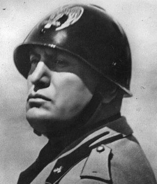 Benito Mussolini, 1934
