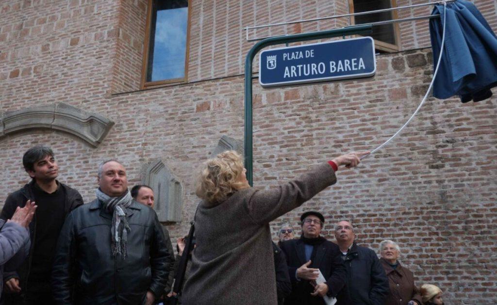 Onthulling van het 'Plaza de Arturo Barea', 2017