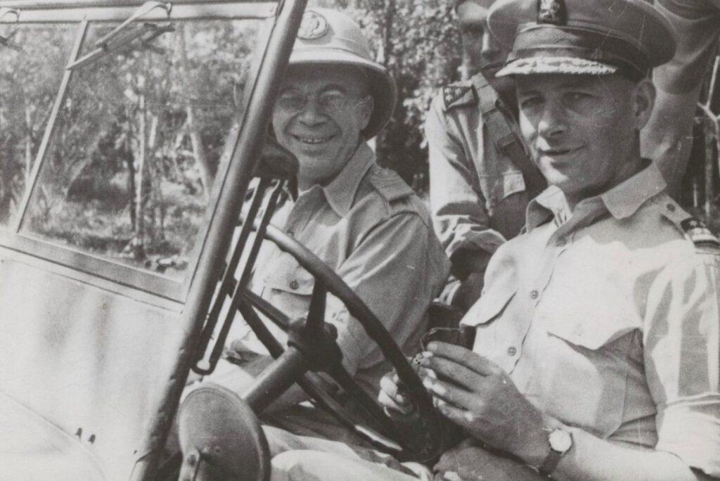 Huib van Mook en generaal Simon Spoor, ongedateerd