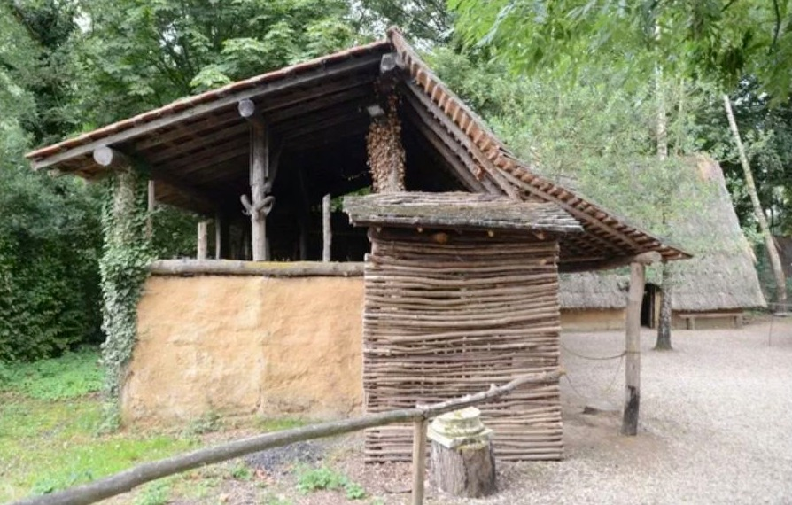 Smeedse (Archéosite, Aubechies)