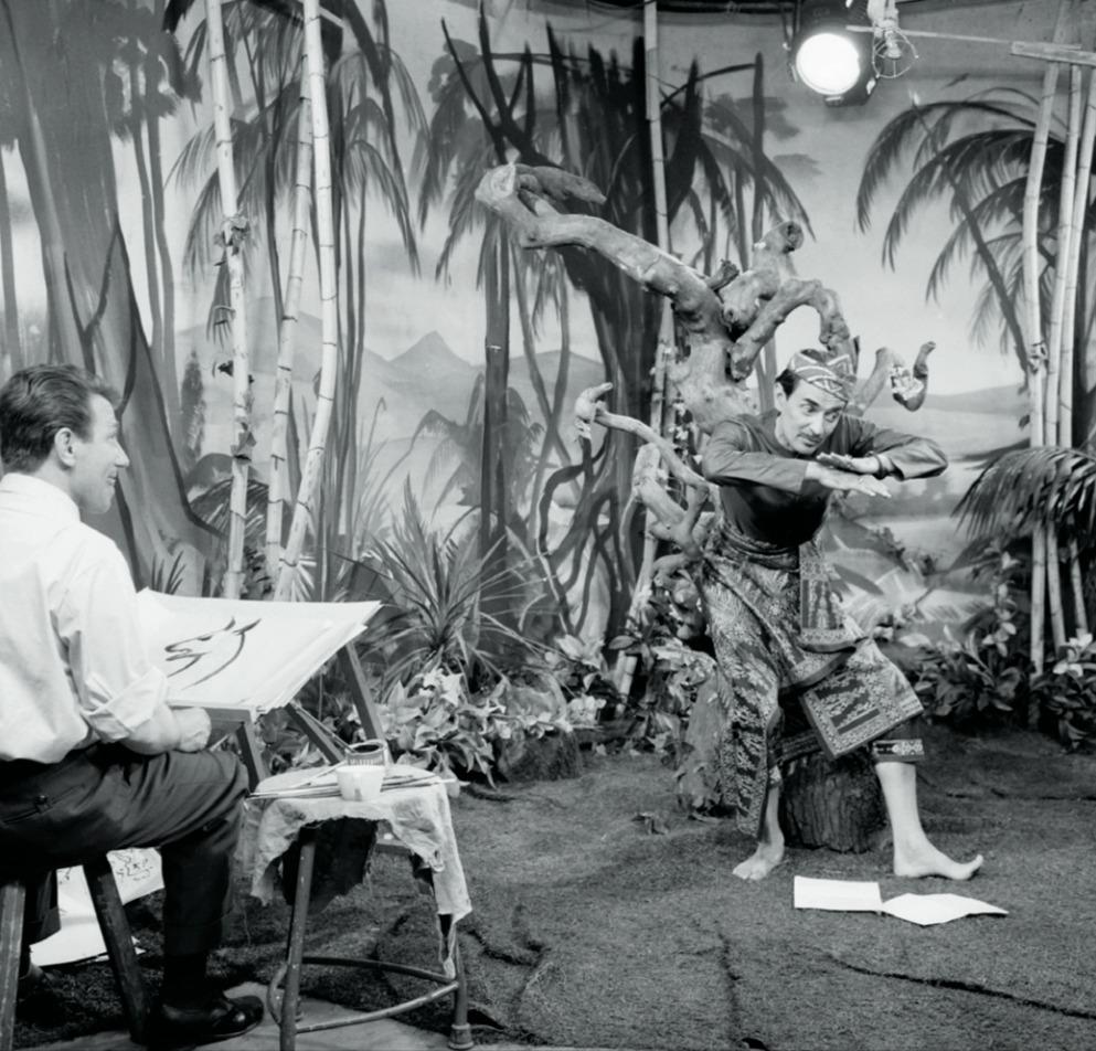 Indra en Wim Burger tijdens de opnames van de Kantjil-televisieserie in 1957. Het programma werd live uitgezonden vanuit Studio Irene