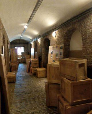 Kisten vol historische archieven en museumstukken werden tijdens de Tweede Wereldoorlog overgebracht naar het kasteel