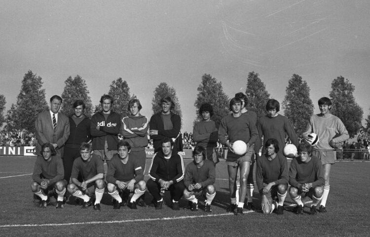 Elftalfoto van Ajax uit 1970