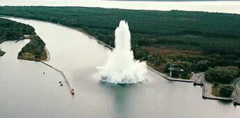Zware WOII-bom explodeert onder water in Polen