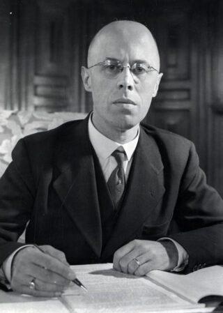 Louis Peel pada tahun 1947