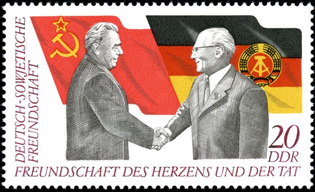 Honecker op een postzegel met Leonid Brezjnev
