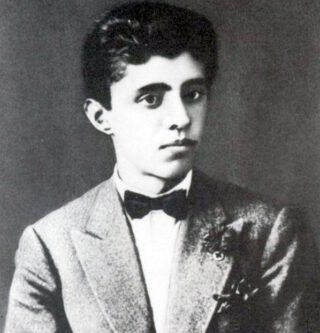 Enver Hoxha op achttienjarige leeftijd