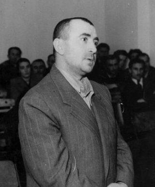 Voormalig minister van Binnenlandse Zaken Koçi Xoxe tijdens zijn proces, 1949